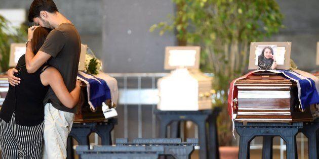 Funerali di Genova, 20 No allo