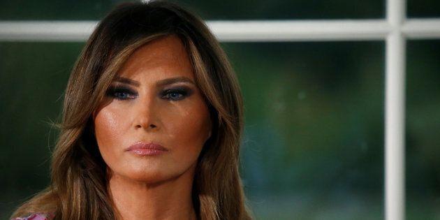 Melania soffre la vita alla Casa Bianca: torna spesso a Ny dai suoi amici. Contrasti con Trump anche