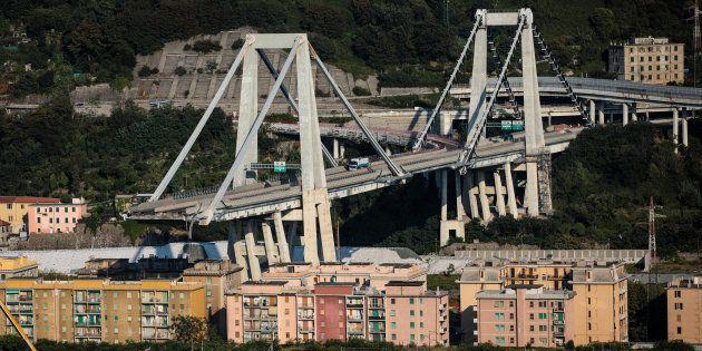 Genova, la paranoia e lo Stato che