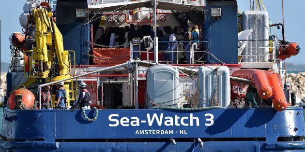 Sea Watch 3, Malta ha autorizzato la nave ad entrare nelle proprie