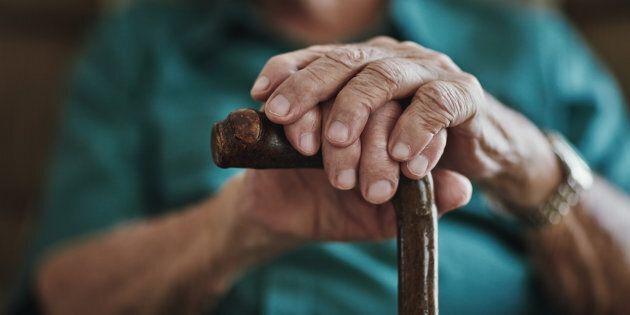 A 82 anni si laurea a Macerata in filosofia: