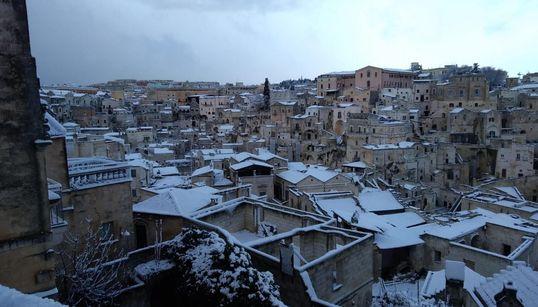 Neve sui Sassi: Matera regala la prima cartolina del