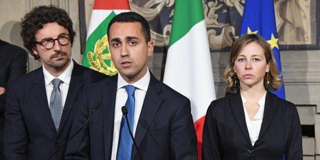 Di Maio spiazzato dallo schiaffo di Berlusconi. E iniziano i timori su tre parole chiave: governissimo,...