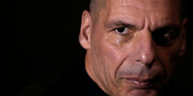 La Troika lascia Atene. Yanis Varoufakis cita Tacito: