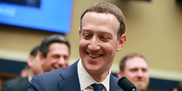 Per 10 ore davanti al Congresso Usa, ma ora Zuckerberg è più ricco di 3