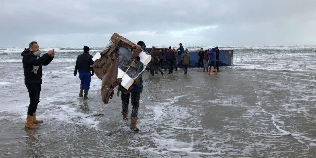 Nave da carico perde 270 container. Allarme sostanze pericolose nel mare del