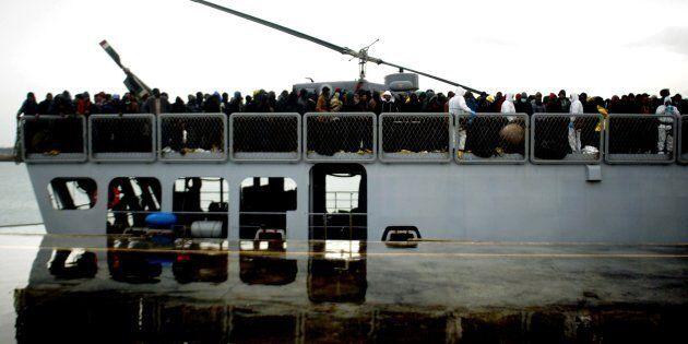 Se l'Italia va in pezzi, al Sud resteranno solo porti chiusi e baraccopoli di