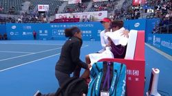 Sharapova campionessa di fairplay. All'avversaria infortunata: