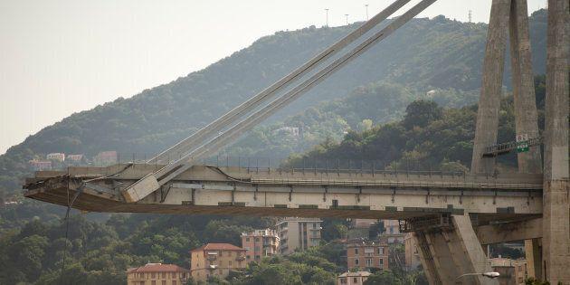 Autostrade per l'Italia stanzia 500 milioni, un minuto di silenzio durante il cda. Partono le prime iniziative...
