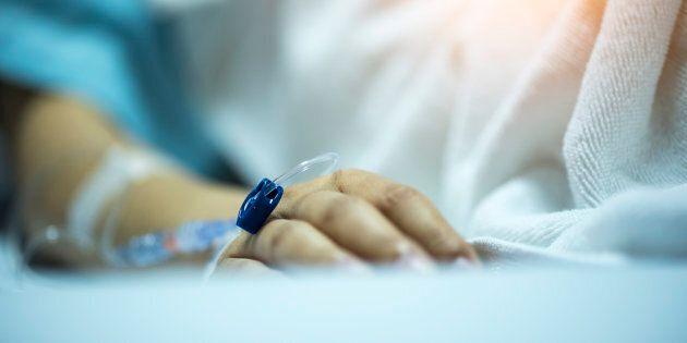 Donna in coma da 14 anni partorisce bimbo. Si indaga per