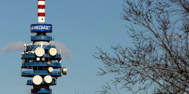 Nel mirino del Governo anche le concessioni tv. Buffagni: