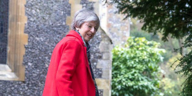 Brexit, il parlamento voterà il 15 gennaio. Theresa May difende l'accordo: