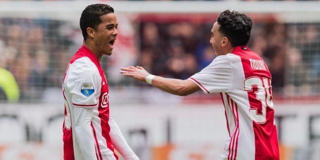 Kluivert debutta nella Roma, mentre l'amico Nouri esce dal coma. Proprio a lui ha dedicato la maglia...