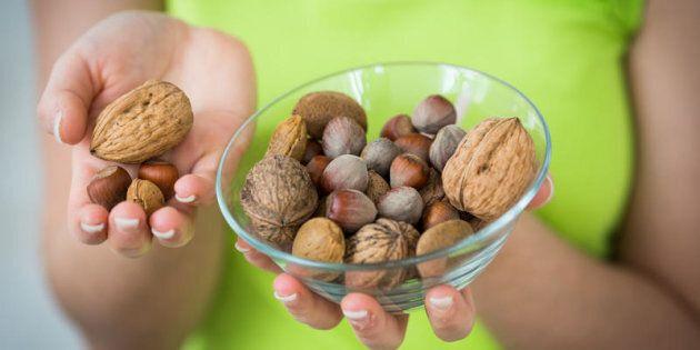 Come mangiare la frutta secca tutto l'anno in modo sano (e non solo durante le