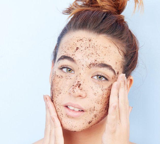 7 cose che i dermatologi non metterebbero mai sulla propria