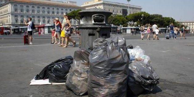 La Raggi ci vuole spazzini, Salvini ci vuole poliziotti: è l'Italia gialloverde, ma sembra
