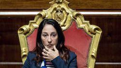 Il tribunale di Roma 'sfratta' la madre di Paola Taverna. La senatrice: