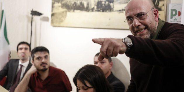 Il regista Paolo Virz� durante l'incontro al Circolo del PD di Roma Ostiense, 17 aprile 2018. ANSA/RICCARDO