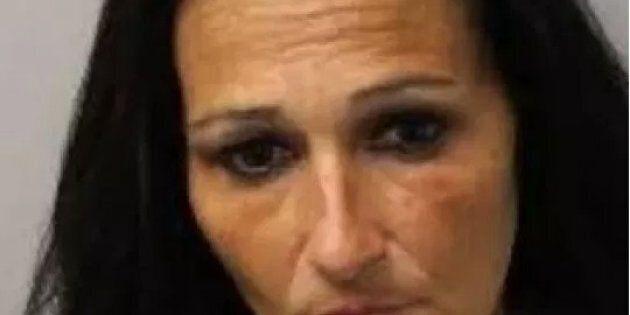 Mamma fa violentare la figlia di 3 anni in cambio di soldi e