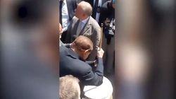 Dopo l'attacco ai 5 Stelle, Silvio si rilassa suonando il