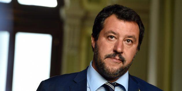 Salvini a Macron:
