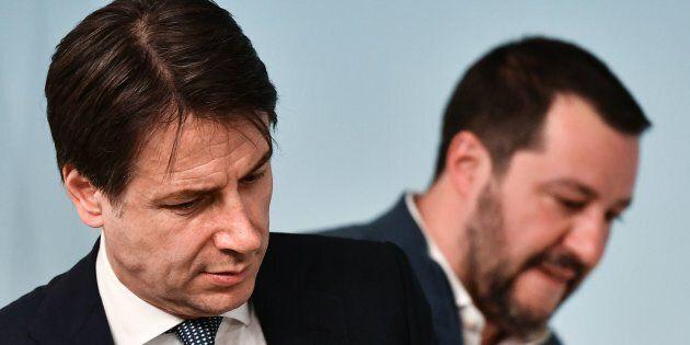 Effetto Battisti sui migranti. Il successo sul latitante disinnesca i due incontri separati di Salvini...