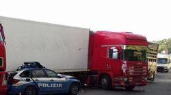 Incidente sull'A18 tra Catania e Messina: tre morti, tra cui un agente di polizia