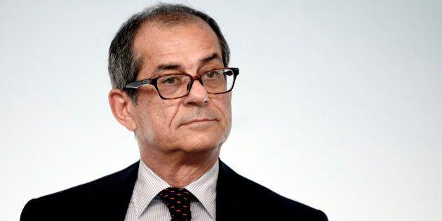 L'Italia rallenta, mercati nervosi. Tria a confronto con l'Europa sulla manovra in un clima