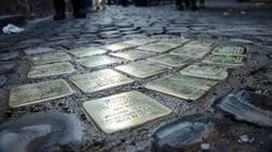 Rimesse le pietre d'inciampo trafugate a Roma.