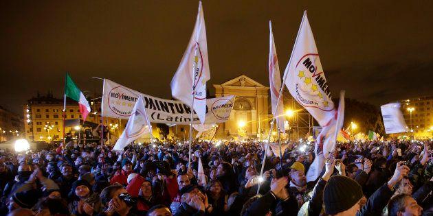 La base M5S in rivolta dopo il mandato esplorativo a Roberto Fico: