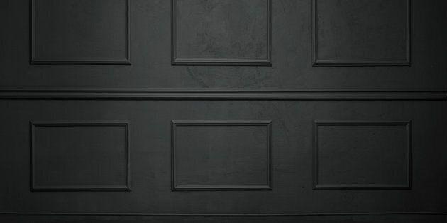 Trovato un cadavere murato dentro una casa a Senago, nel