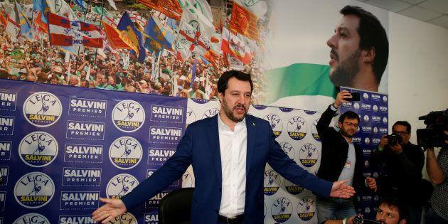 Salvini scommette sul fallimento M5s-Pd per tornare centrale: