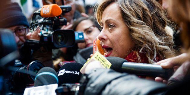Giorgia Meloni pronta a referendum per abrogare il reddito di cittadinanza: