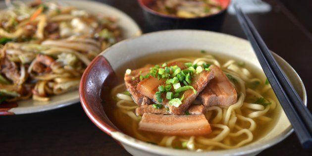 Chi mangia tanti carboidrati vive più a lungo e meglio. La dieta degli abitanti dell'isola di Okinawa...