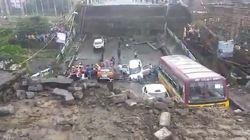 Crolla un ponte a Calcutta, in India. I media locali: