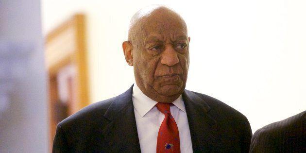 Bill Cosby dichiarato colpevole di violenza sessuale. L'ex papà dei Robinson rischia 10 anni di