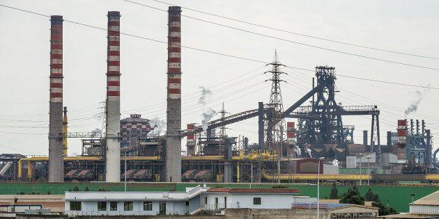 Ilva, i sindacati lasciano il tavolo e minacciano lo sciopero. Con Arcerol Mittal posizioni sempre più