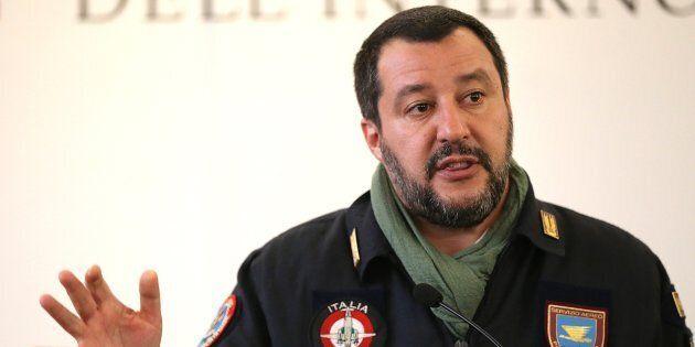 Salvini su Facebook: