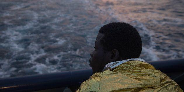 100 migranti alla deriva a largo della Libia. Raggiunti dalla Guardia costiera