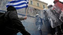 Grecia, migliaia in piazza ad Atene contro l'accordo sul nuovo nome della Macedonia, ferito un