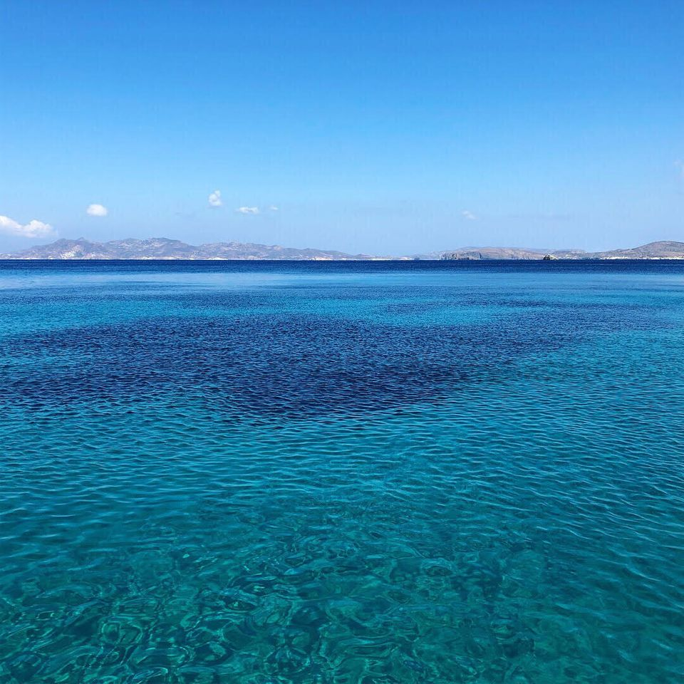 Le Cicladi a settembre in 18 destinazioni memorabili: grande blu, zero folle e tanto