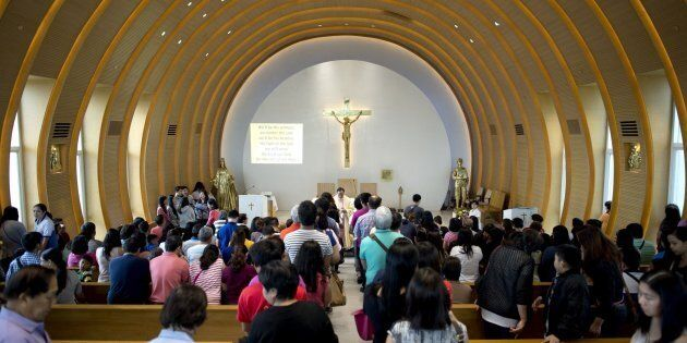 Filippine: ucciso un giovane sacerdote a fine