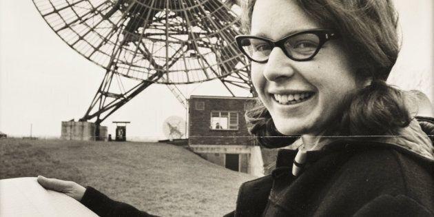Scoprì le stelle pulsar ma il Nobel andò al suo professore: 44 anni dopo, l'astrofisica si prende la...
