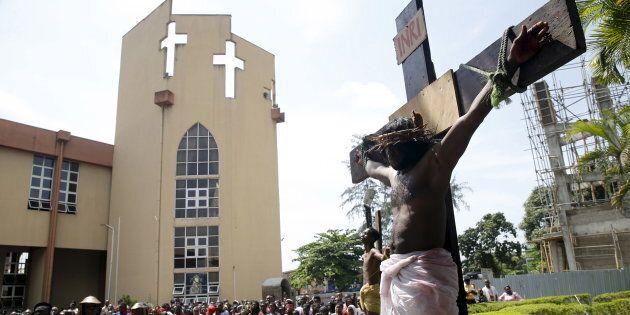 Attacco con granate a una chiesa cattolica nella Repubblica centrafricana: almeno 15