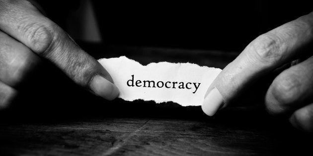Alle radici del populismo, le nuove teorie politiche e la fine della