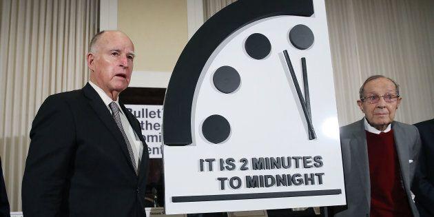 L'Orologio dell'Apocalisse si è mosso: ora segna 2 minuti alla fine del