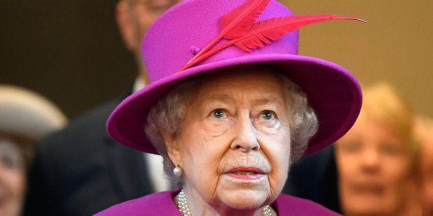 Elisabetta II rompe il silenzio su Brexit (ma non la nomina):