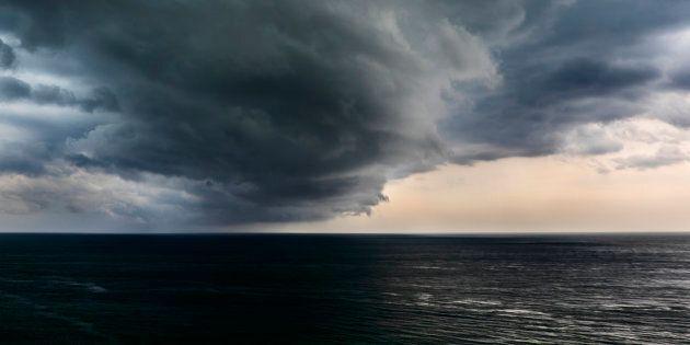 La tempesta Florence diventa un uragano: scatta l'allerta sulla East