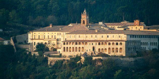 Il Governo risponde sulla concessione della Certosa di Trisulti al movimento vicino a Bannon: