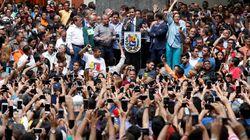In Venezuela muro contro muro. Guaidò chiede le urne ma Maduro denuncia il